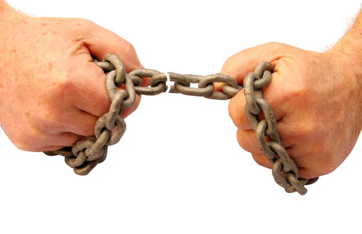 © Hornpipe | Dreamstime.com - Breaking Chains Photo